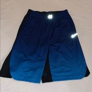 Boy's Nike Kd basketball shorts size XL